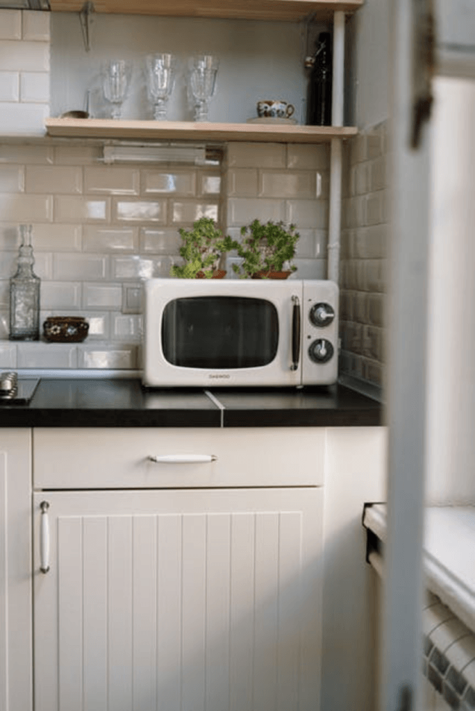 What Is The Best Room To Put An Air Purifier? - Microwave