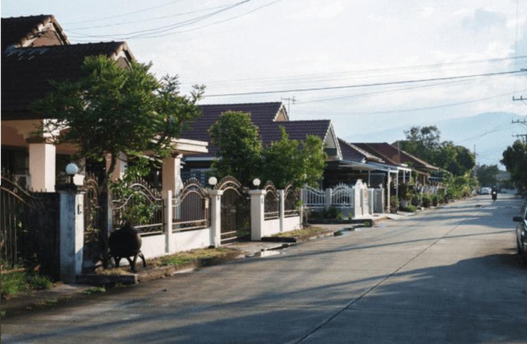 Why Do Some Neighborhoods Have No Sidewalks? - Neighborhood without sidewalks
