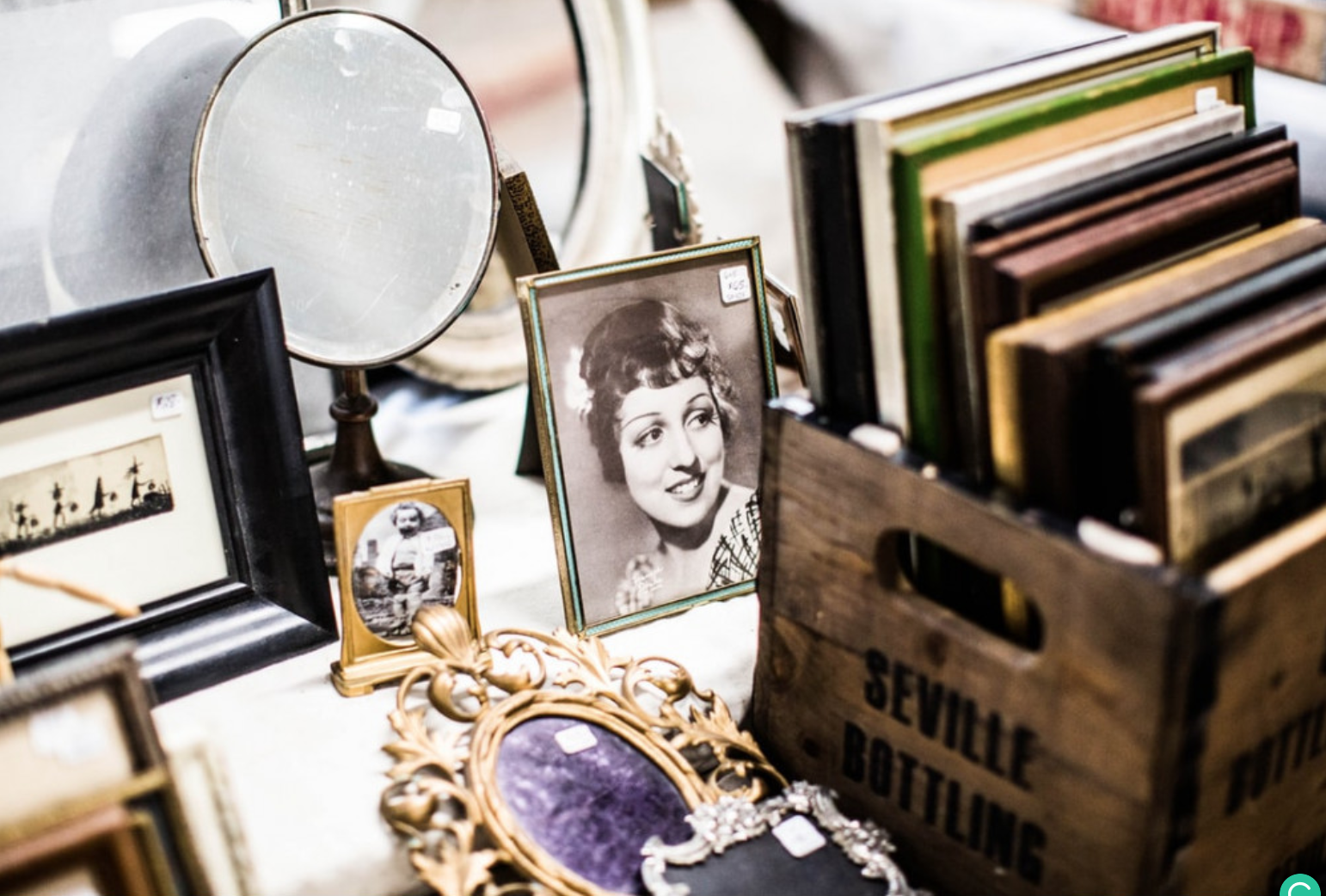 What Is the Difference Between a Garage and an Estate Sale? - Items for sale