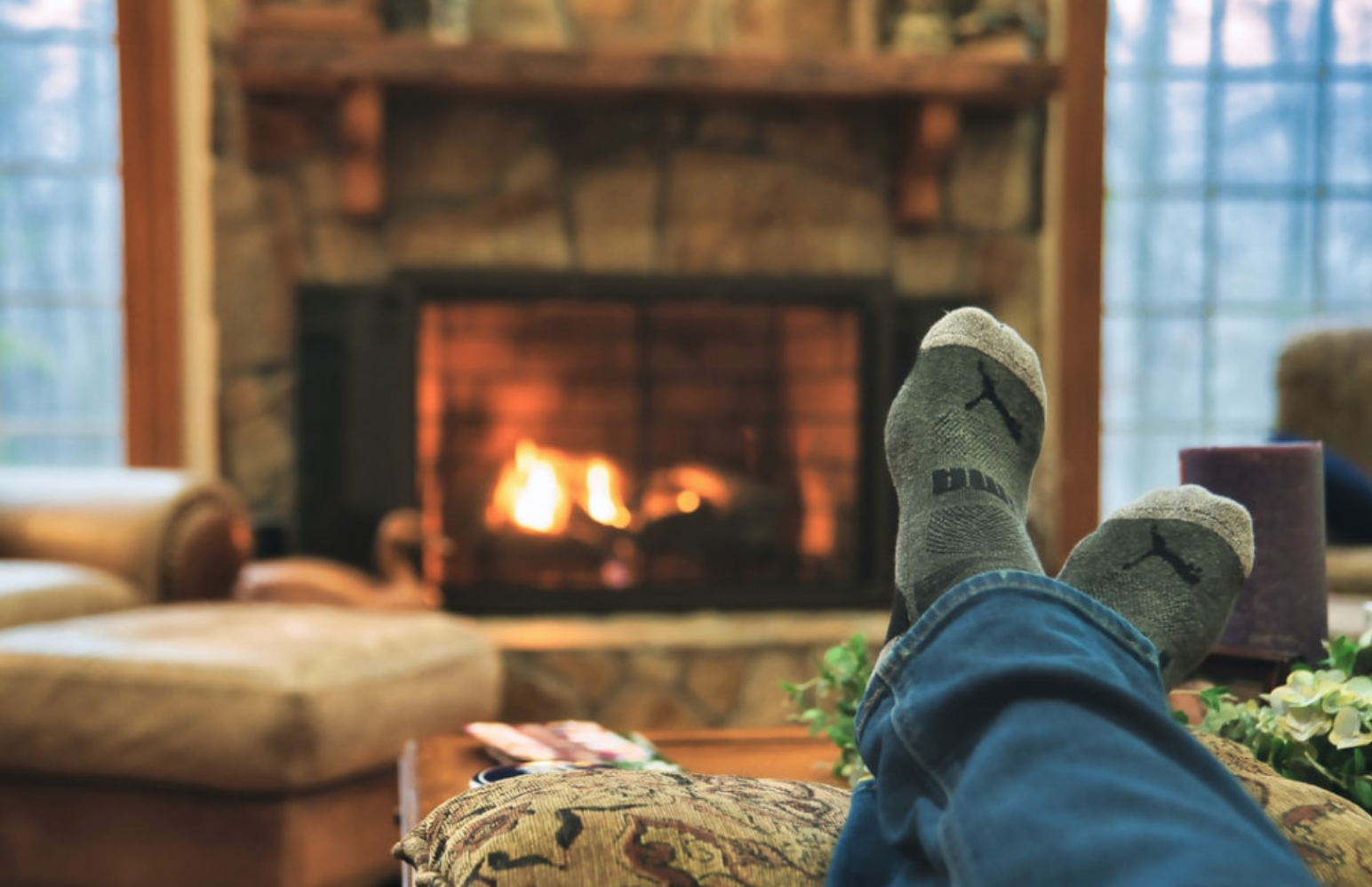 Should the Fireplace Flue Be Open or Closed? - Fireplace view