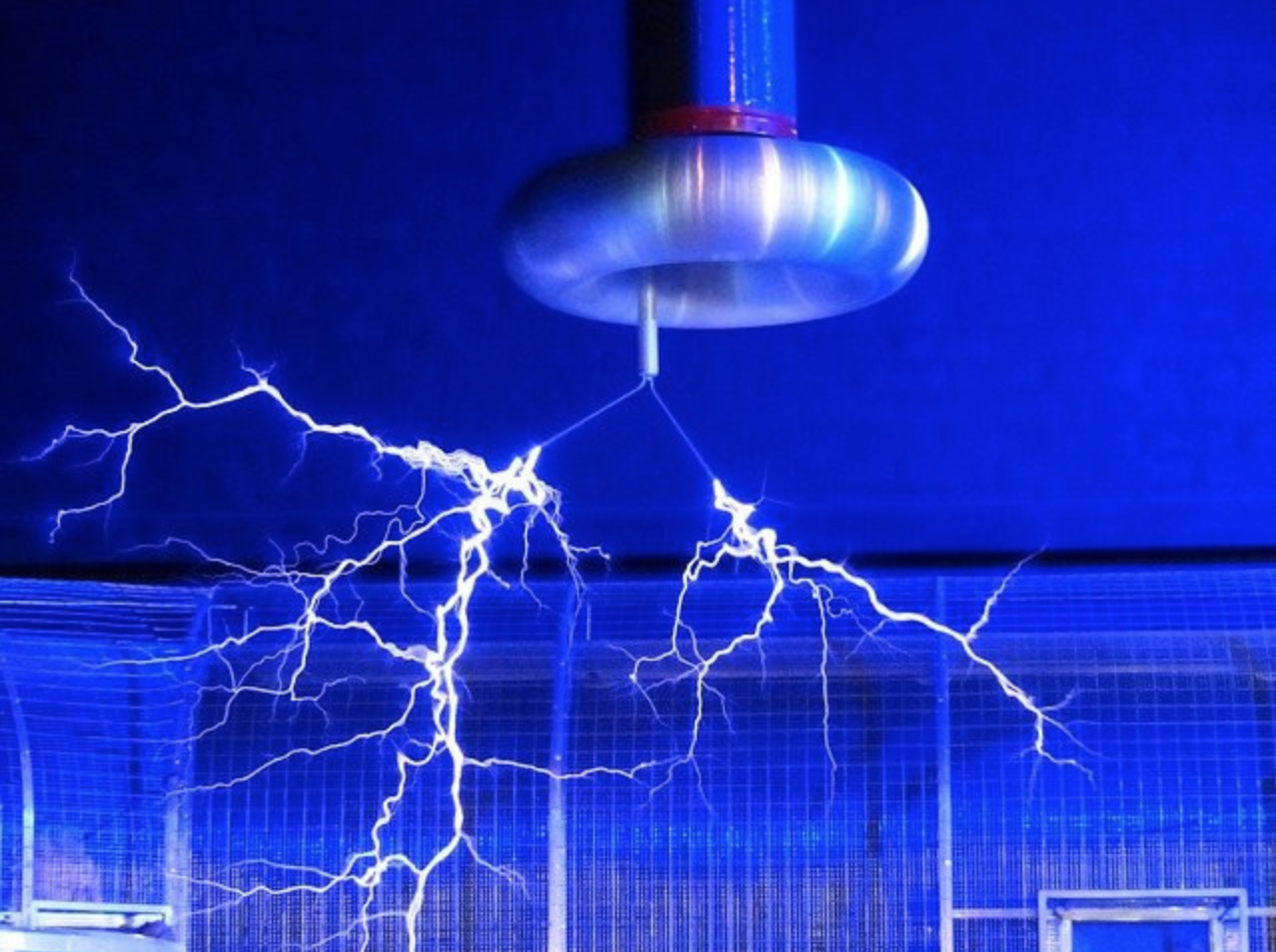 Why Does the US Use 110v and Europe 220v? - Electrical current